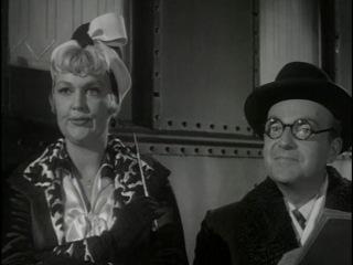 В джазе только девушки. 1959 - походка и знакомство